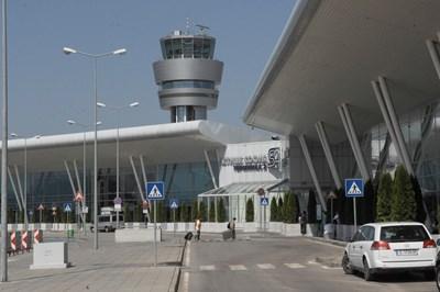 Шведката и сириецът са хванати с парите на летище София. По-късно заминали.