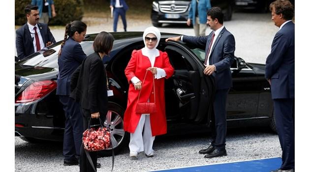 Емине Ердоган - робиня на лукса, сънувала мъжа си, преди да се срещнат
