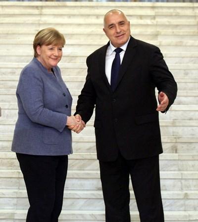 Бойко Борисов и Ангела Меркел в София, когато стана ясно, че Германия ще подкрепи запазването на фондовете. СНИМКА: Румяна Тонeва