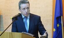 Янаки Стоилов: Актове от Кирил Петков могат да бъдат атакувани по политически причини