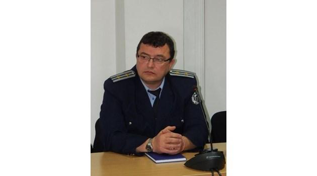 И синът на шефа на русенския КАТ задържан