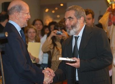 На 28 декември 2004 г. Симеон Сакскобургготски връчва наградата на археолога Георги Китов за огромните му заслуги при откриването на тракийските гробници в Старосел и край Казанлък.
