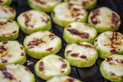 Нещо вкусно: Любопитни идеи за бързо готвене с тиквички