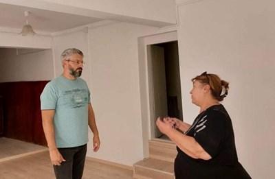 Станислав Стоянов в отремонтираното помещение