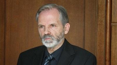 Доц. Борислав Великов