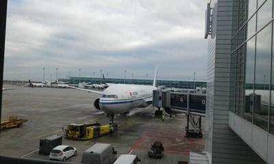 През летището в Мюнхен минават 40-50 млн. пътници на година, 12 г. е най-доброто летище в Европа, приходите са 1,5 млрд. евро. С неговия опит ще се обновява летището в София.