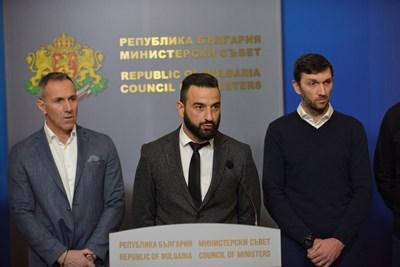 Представители на фенски организации след продължил два часа разговор с премиера Бойко Борисов СНИМКИ: Йордан Симеонов