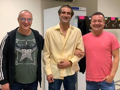 Краси Радков и Филип Аврамов бяха сред гостите на спектакъла на Димитър Рачков.  СНИМКА: ОФИЦИАЛЕН ФЕЙСБУК ПРОФИЛ НА ДИМИТЪР РАЧКОВ