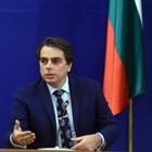 Асен Василев: Няма да се вдигат нито данъците, нито осигуровките, за да има пари за пенсии