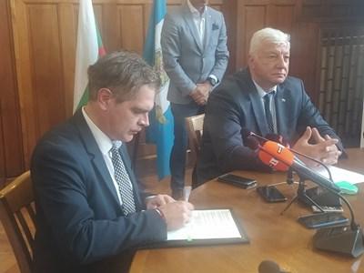 Министърът на икономиката подписа договора за отпускане на 1, 028 млн. лева на община Пловдив за инфраструктура