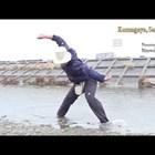 """Световен рекорд по правене на """"жабки"""" с камък"""