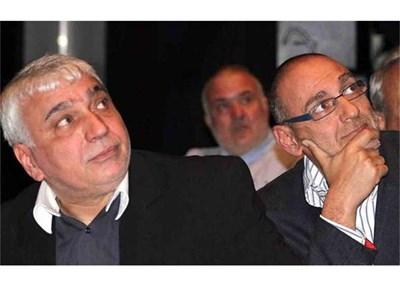 Стефан Димитров и Любен Дилов гледат видео-визитките на номинираните.