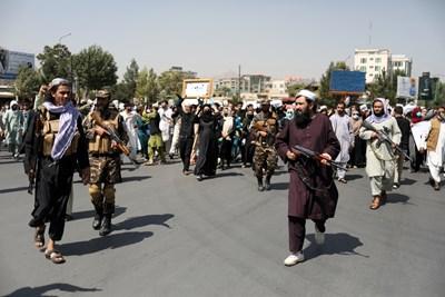 Талибаните контролират улиците на Кабул и всички аспекти на живота в Афганистан