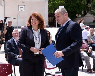 Вицепрезидентът Илияна Йотова и председателят на Българо-еврейския културен институт Роман Стоянов