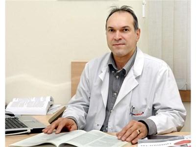 Доц. Борис Богов, началник на Клиника по нефрология при Александровска болница отговаря на въпроса на Иванова (37 г.) от Видин