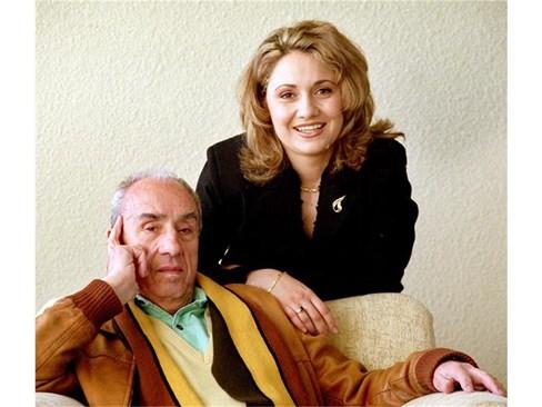 Известният актьор и режисьор с дъщеря си. Сн. 24 часа
