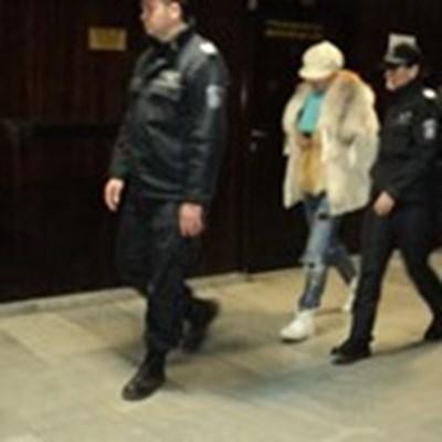 Елмас Донева в съда. СНИМКА: Антоанета Маскръчка