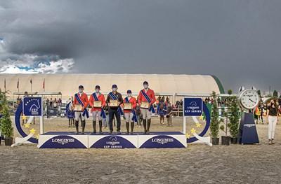 Отборът на Италия по време на награждаването Снимки: Авторът