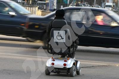 Помощите на хората с увреждания ще се дават по нова индивидуална оценка. СНИМКА: 24 часа