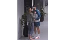 Вижте първата публична целувка на Григор и Лолита