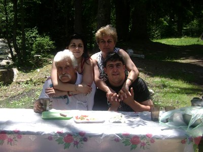 Спас Мурджов със семейството си СНИМКА: Фейсбук/Димитър Мурджов