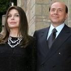 Берлускони и втората му съпруга Вероника Ларио в щастливите им времена СНИМКА: РОЙТЕРС