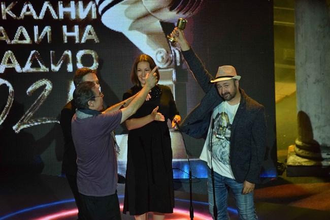 Любимецът на пловдивската публика Стефан Вълдобрев благодари за отличието за група на годината с