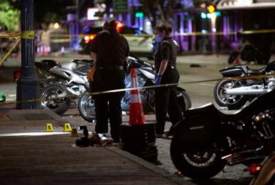 Полиция на мястото на стрелбата в Остин, Тексас. Снимка: Ройтерс