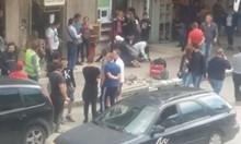 20 минути повелителите на бойните изкуства чакат полицията да си прибере Събка джебчийката
