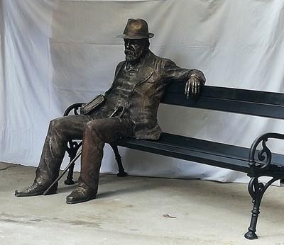 Паметникът на Пенчо Славейков, дело на Адриан Новаков, който ще бъде поставен в Милано.