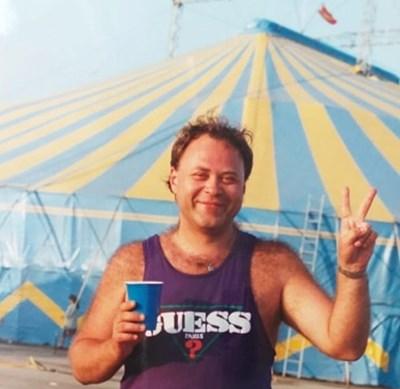 Светослав Табаков пред цирка