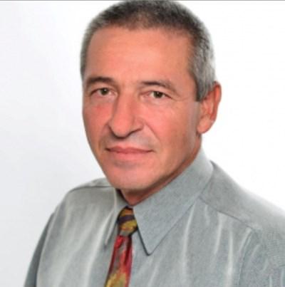 Д-р Павлин Янкулски.