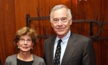 Проф. Стив Ханке и съпругата му - тайни посредници между ген. Пиночет и Карлос Менем