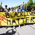 Демонстранти, протестиращи по повод смъртта на чернокожия Джордж Флойд, починал след полицейски арест в американския град Минеаполис, атакуваха паметници на Конфедерацията в много градове на САЩ. Снимки: Ройтерс