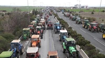"""Фермерите реагират срещу правителствената политика по жизненоважни въпроси.  СНИМКА: """"24 часа"""", архив"""