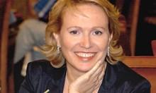 Тодор Живков връчва златен медал на Силва Зурлева. Защо милицията я проверява като студентка