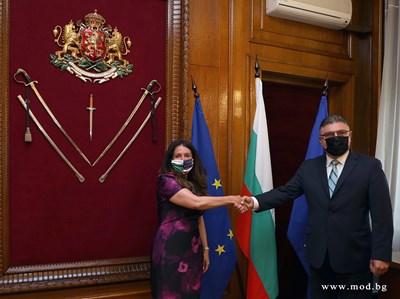 Министърът на отбраната Георги Панайотов се срещна с посланика на САЩ Н.Пр. Херо Мустафа днес. Снимка пресцентър на МО