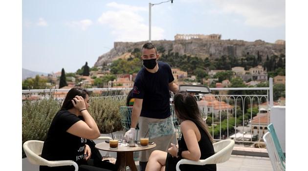 Външно: Поне 48 часа преди да влезете в Гърция, попълвате формуляр за адрес