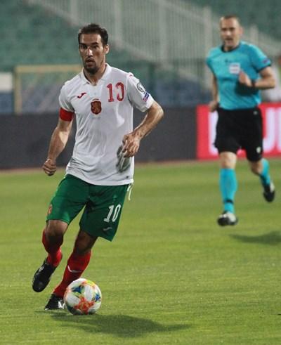 Капитанът на България Ивелин Попов изравни за 1:1 срещу Косово с красив удар в края на първото полувреме. СНИМКА: Румяна Тонева