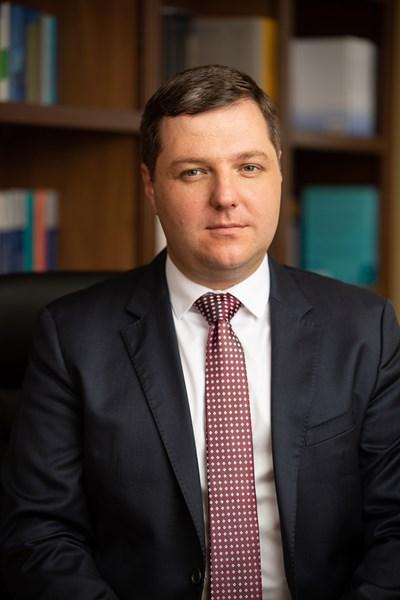 Доц. Иван Стойнев