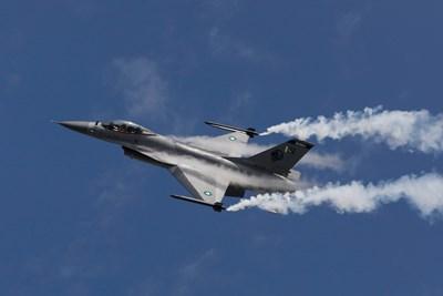Радарите ще влязат на въоръжение, когато пристигнат новите F-16
