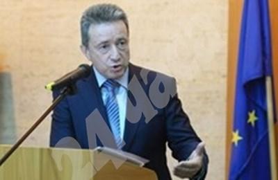 Министър Янаки Стоилов СНИМКА: 24 часа