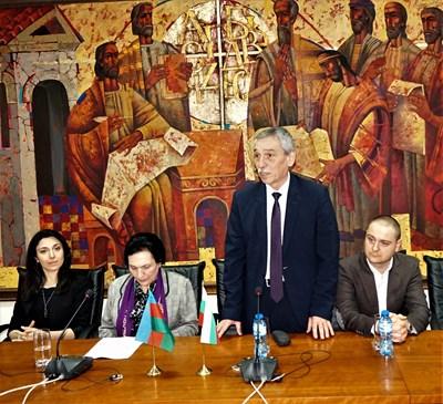 Ректорът проф.Христо Бонджолов представи пред студентите гостите от Азербайджан