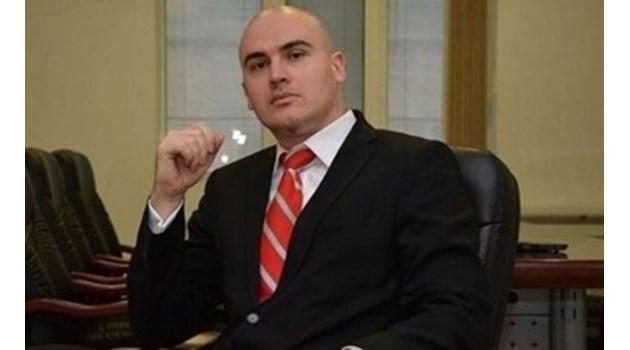 Прокуратурата проверява сигнал, свързан с книгата на Петър Илиев