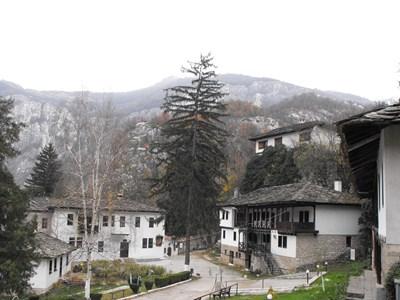 Черепишкият манастир СНИМКА: Авторът