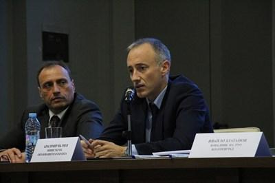 Кметът на Банко Георги Икономов бе домакин на министър Красимир Вълчев, който се срещна с учители и директори на училища в общината.