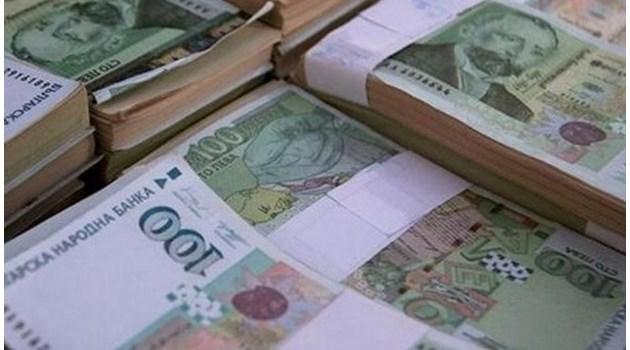 Данъчните при проверка на 300 богаташи: Две жени - едната от София, а другата от Пловдив, харчили по над 1 млн. лева годишно, а не са декларирали никакви доходи