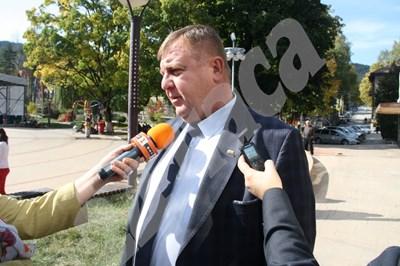 Красимир Каракачанов в Чепеларе Снимка: Авторът СНИМКА: 24 часа