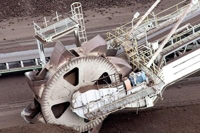 """32 000 тона въглища се горят при пълна мощност на централата. Доставят се по транспортьор от рудник """"Трояново 3"""" СНИМКА: Десислава Кулелиева"""