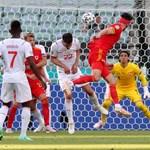 Мур изравнява резултата в Баку.
